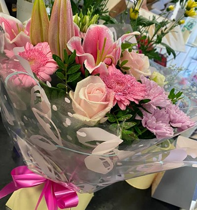 Rose & Lily Handtied